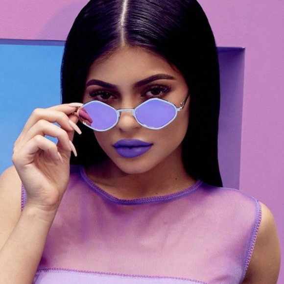 818971c21fc19 QUAY X KYLIE JENNER Purple Honey Sunglasses